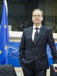 Dr. Navracsics Tibor Ph. D., az Európai Unió kulturális, oktatási, ifjúságpolitikai és sportügyi biztosa